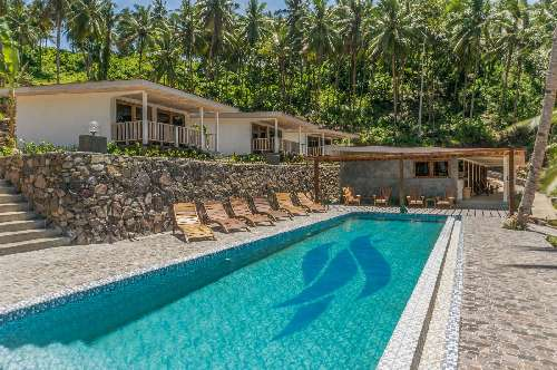 Thalassa Dive Resort - Lembeh lembeh-pool.jpg