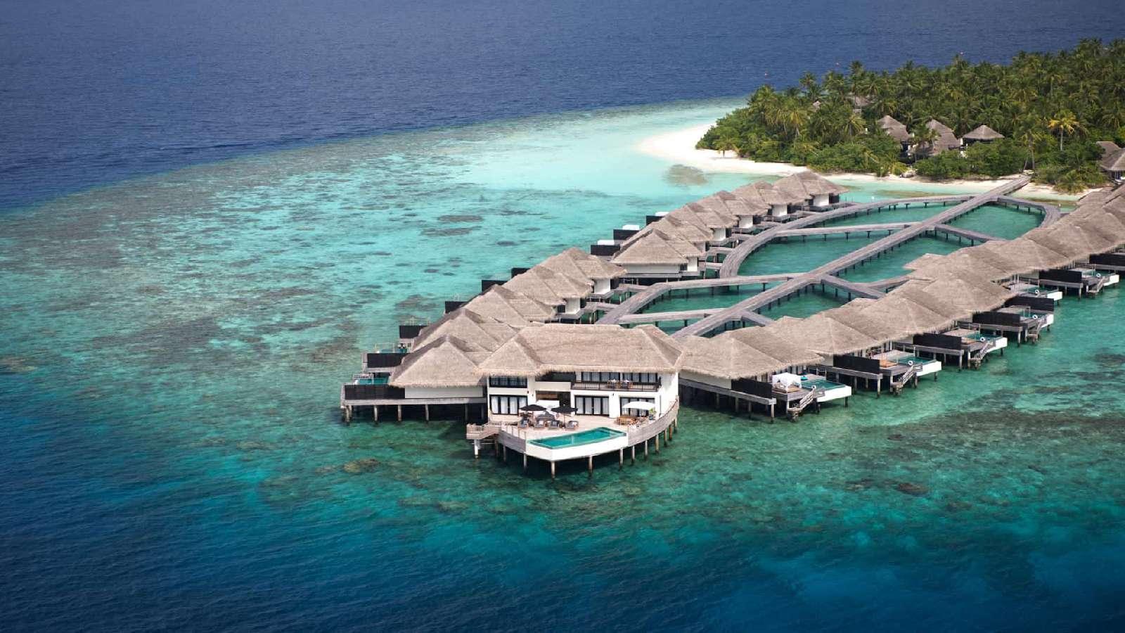 Outtrigger Konotta - Hotels & resort - Maldive   Albatros ...
